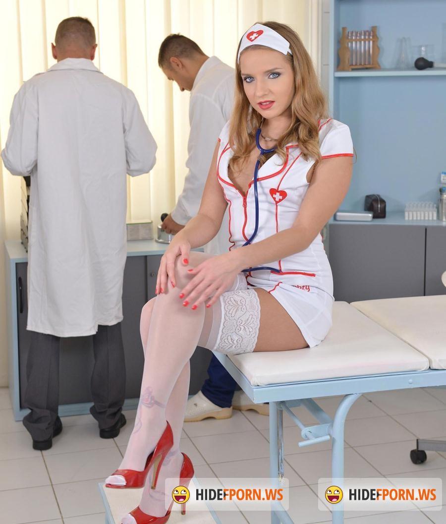 fuckinhd - sofi goldfinger - three cocks one mouth: horny nurse
