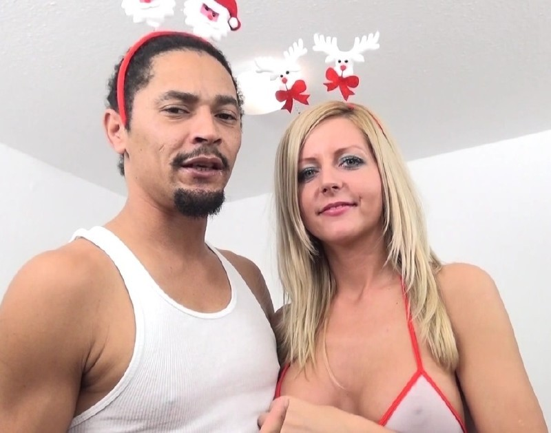 ImmoralLive.com/MyXXXPass.com - Summer Brooks - Summer Brooks Christmas Reward [HD 720p]