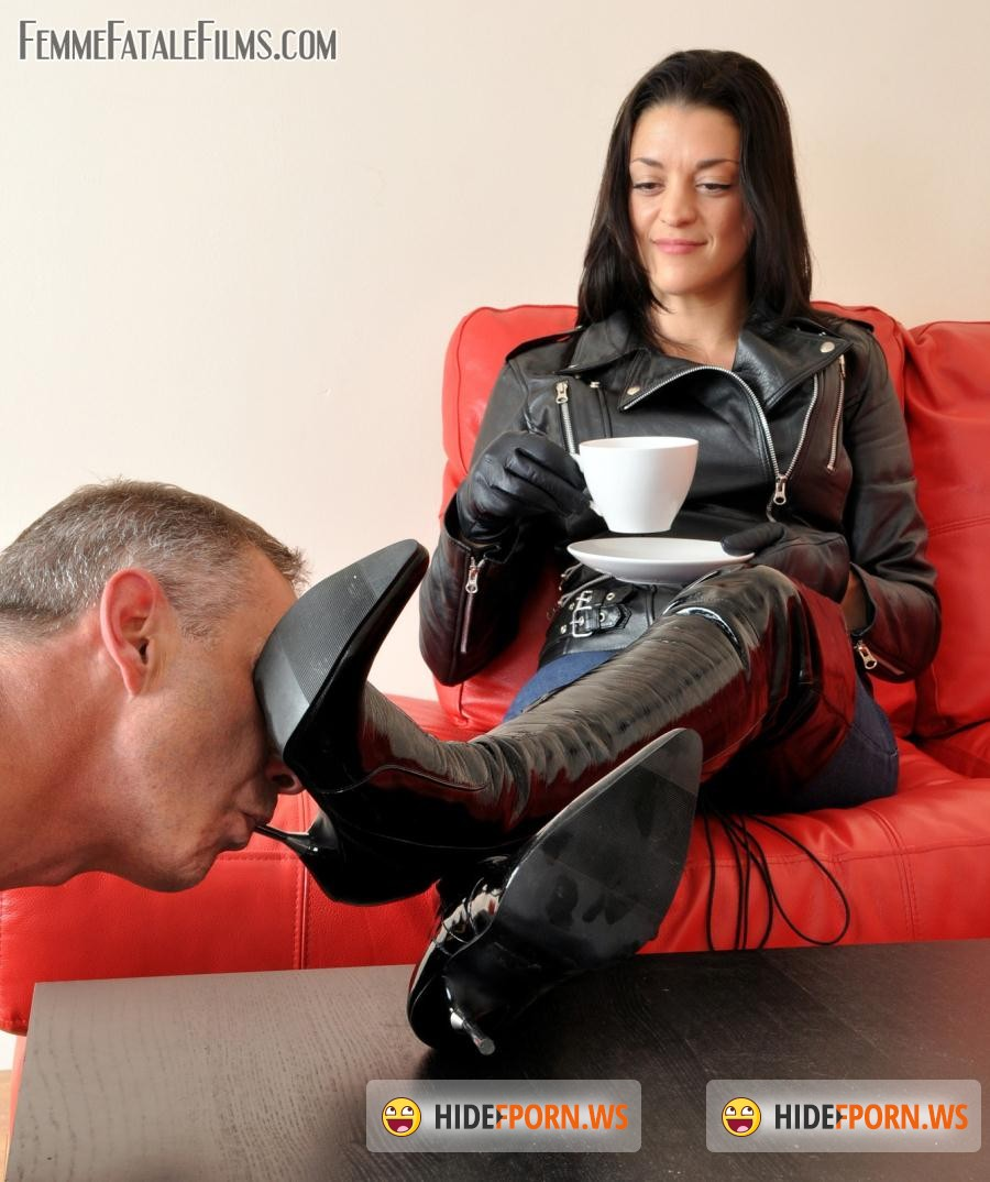 Femme Film: The Hunteress - Clean My Boots [HD 720p]