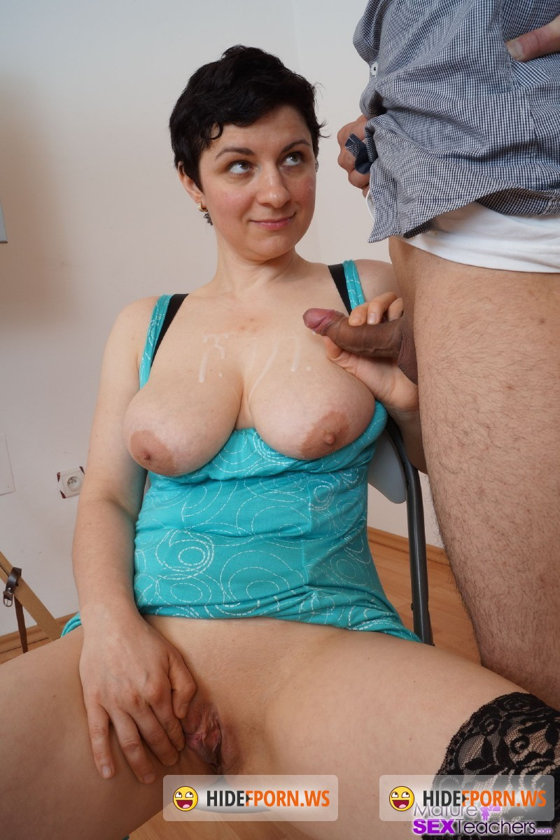 nude girl gives great hand job