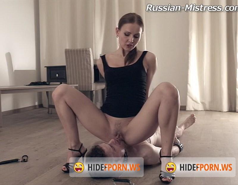 russkie-muzhiki-ebut-shlyuh