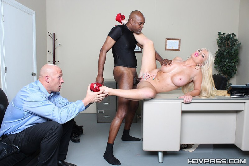 HDVPass.com - Alexis Ford - Blonde babe Alexis Ford Gets Pounded by Big Black Cock [HD 720p]