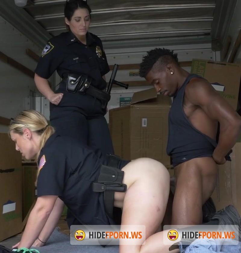 2 milf cops suck off black suspect 5