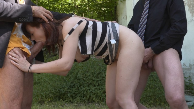 MMVFilms.com - Scarlet Rose - Outdoor Threesome [FullHD 1080p]