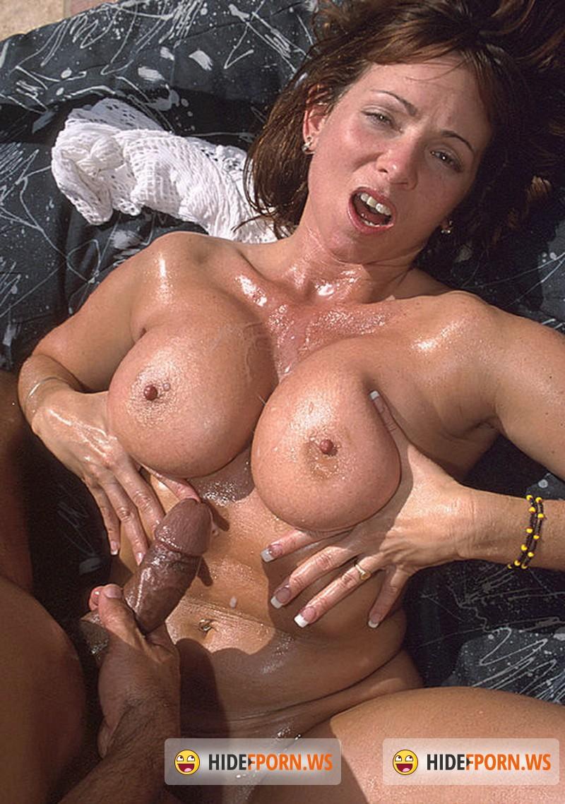 semi nude hot cowgirls