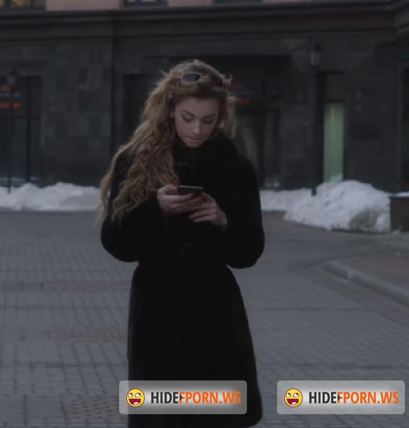 Arantxa rey loves her new vr webcam 3
