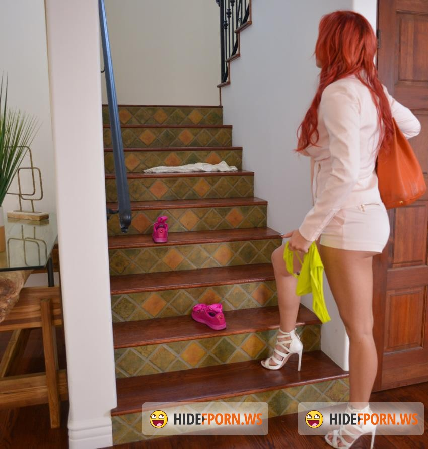 Dyked/TeamSkeet -  Ivy Jones, Savana Styles - Sexy Scoundrel Gets Straightened Out [HD 720p]