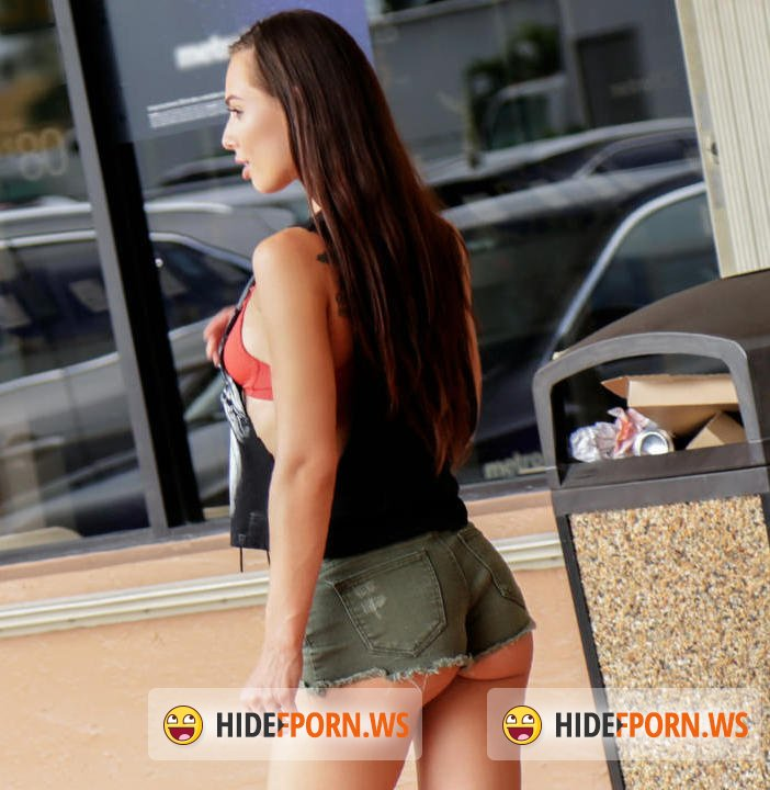 PublicPickups/Mofos -  Aidra Fox  - Outdoor Sex With Aidra Fox  [HD 720p]