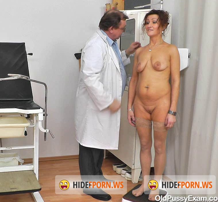 Pussy exam old Videos Tagged