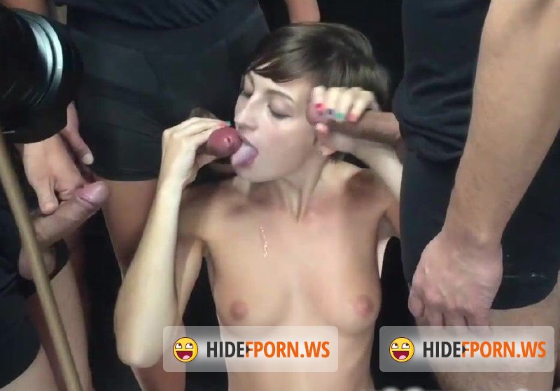 OnlyFans.com - Rock In Babe - Lot of guys come in my mouth [HD 720p]