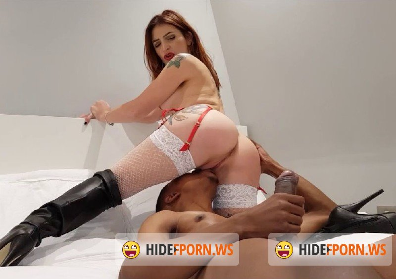 ManyVids.com - Adreena Winters - Christmas slut [HD 720p]