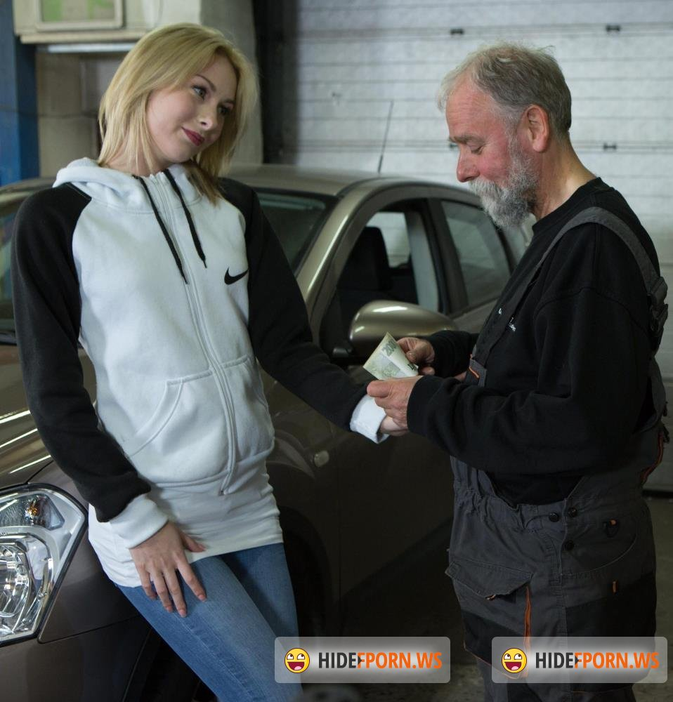 Old-n-Young/TeenMegaWorld - Daniela C - Blondie gets a special service in the garage [FullHD 1080p]