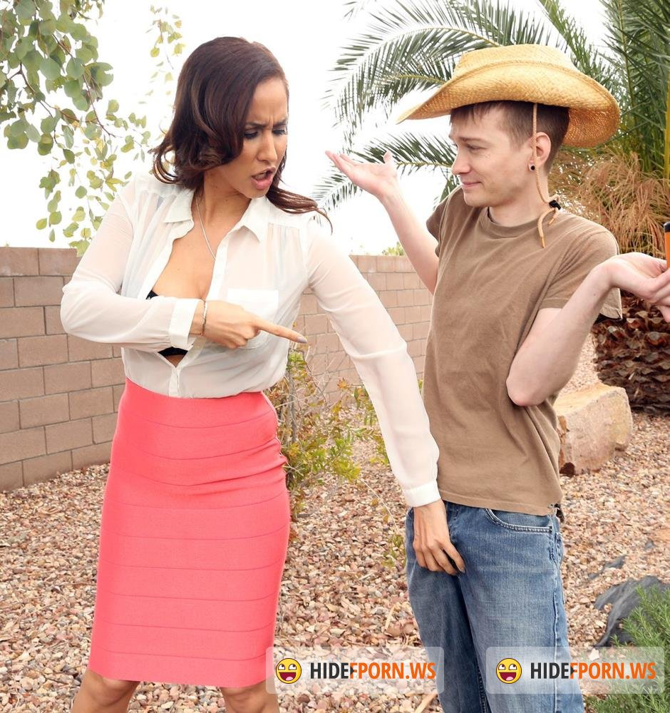 MomIsHorny/BangBros - Isis Love - Horny MILF Dominating The Gardener [FullHD 1080p]
