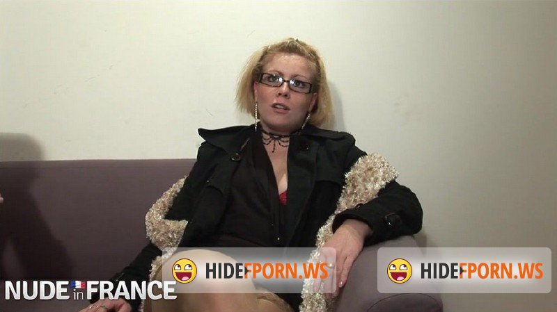 NudeInFrance.com - Amateurs - Trashy blondes get fist fucked [HD 720p]