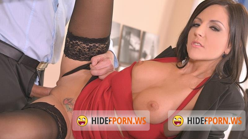 HandsOnHardcore.com/DDFNetwork.com - Summer aka Summer Brooks - Fucking The Secretary At The Office [FullHD 1080p]