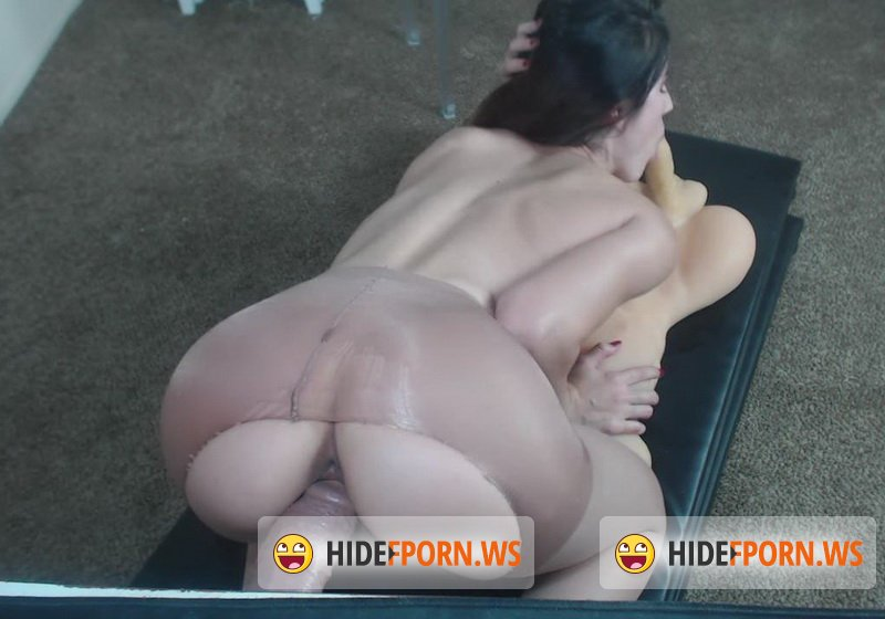 Chaturbate.com - Mia Rand - Pantyhoes Spit Roast [HD 720p]