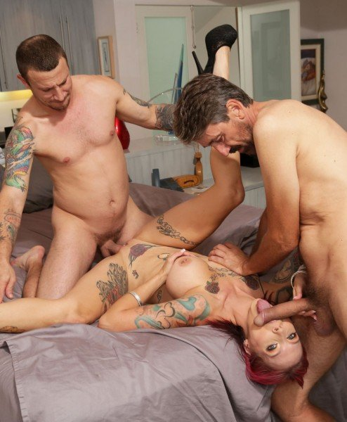 BangRammed.com/Bang.com - Anna Bell Peaks - Anna Bell Peaks Gets Rammed Down By Two Cocks [FullHD]