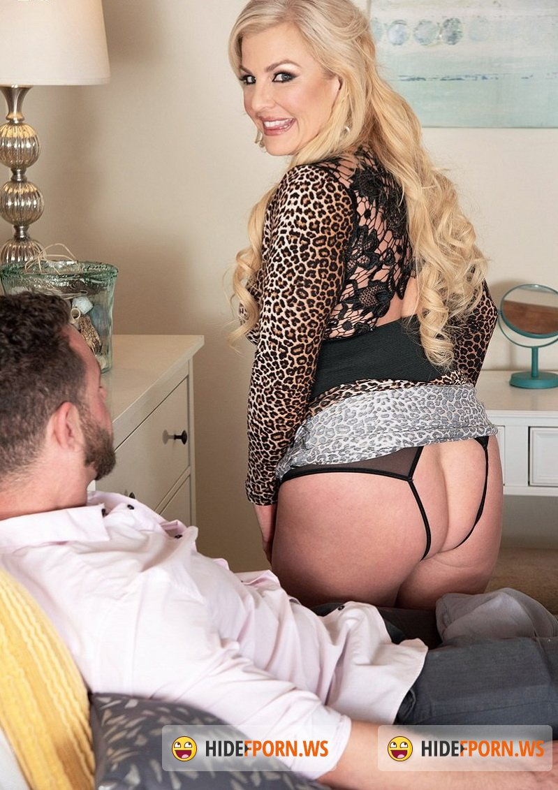 ScoreHD.com/40SomethingMag.com - Taylor Leigh - Housewife Taylors first video fuck [FullHD 1080p]