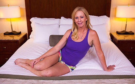 MomPov.com - Bonnie - 41 year old sexually wild MILFs first porn [HD 720p]