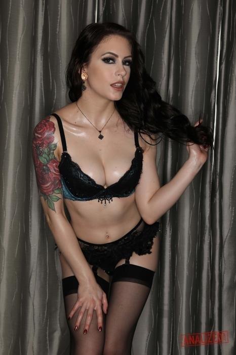 Anna Deville
