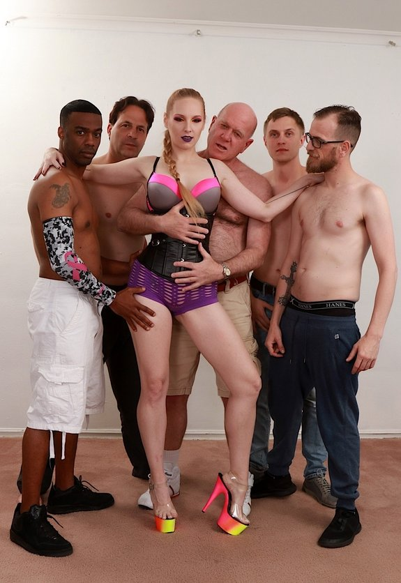 GoldenSlut.com - Delerious Hunter - Delerious Takes Charge Of A Scorching Gang Bang [FullHD 1080p]