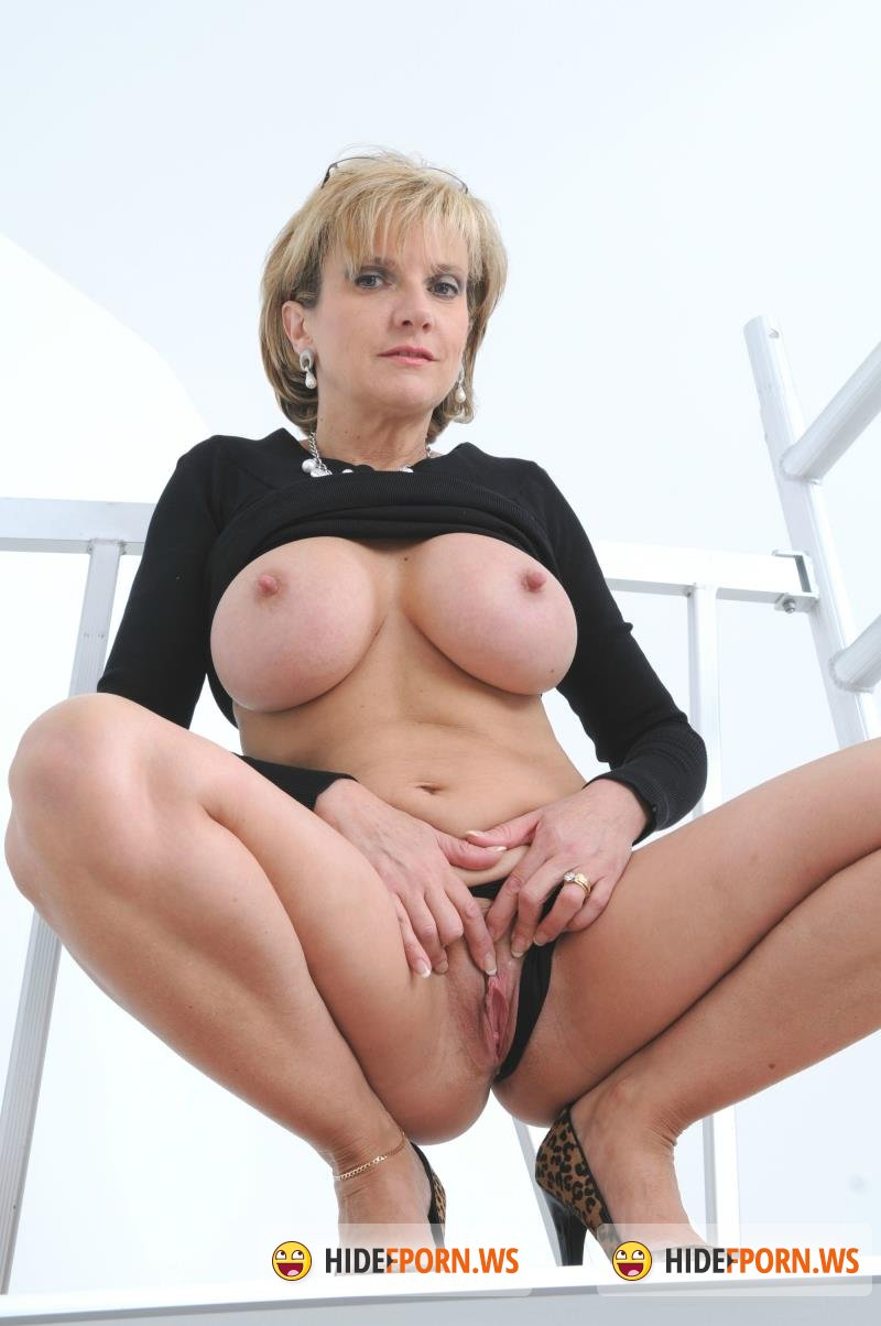 Lady Sonia Com