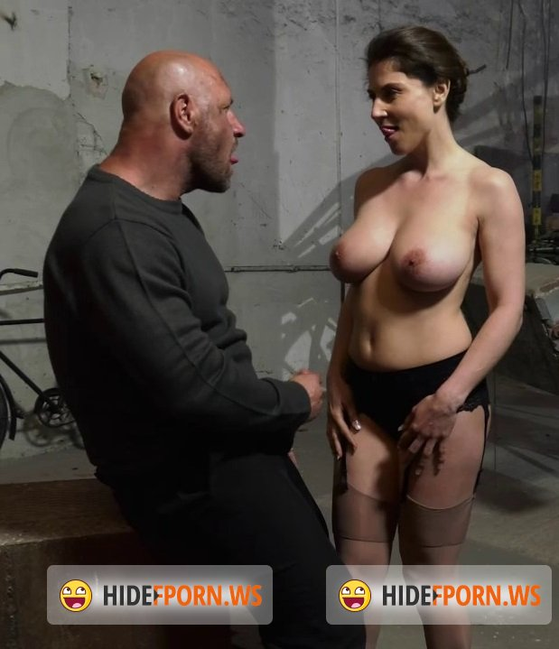 Porno gemma Popular Roberta
