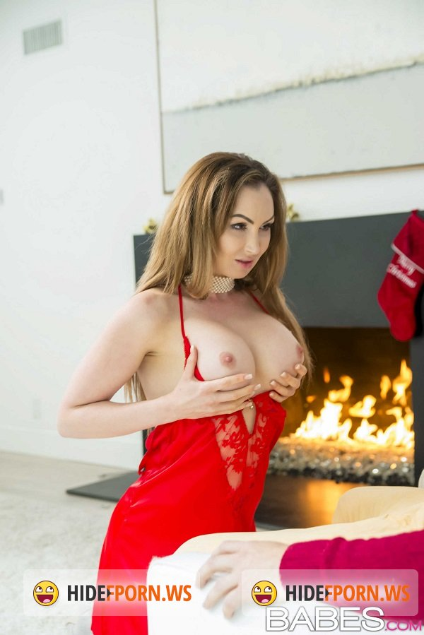 StepMomLessons.com/Babes.com - Elena Koshka, Yasmin Scott - The Spirit of Giving [HD 720p]